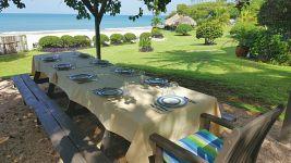 BM 11 Outdoor Dining -
