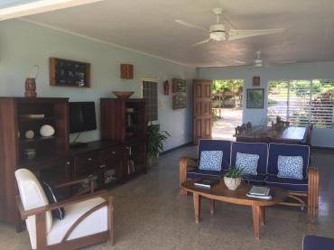 BM 18 - Living room wide